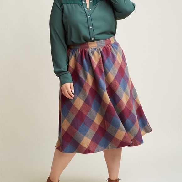 8bd46294e9 ModCloth Sunday Sojourn Midi Skirt in Warm Plaid. M_5a5d07345521bee10bdc9f3f